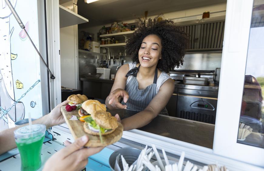 Uniknya Konsep Makanan Food Truck Treasure Island